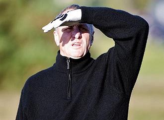 Johan Cruyff jugando al golf