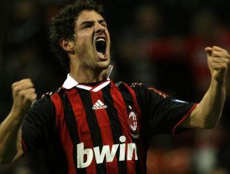 Pato, celebrando el gol que marcó ante la Roma.