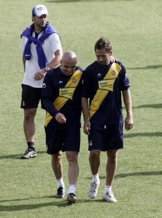 Tamudo y De la Peña durante un entrenamiento con el Espanyol
