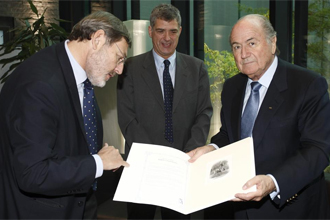 Lissavetzky junto a Villar y Blatter.