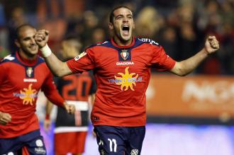 Pandiani celebra uno de los goles que le marc� Osasuna el pasado fin de semana al Atl�tico de Madrid (3-0)