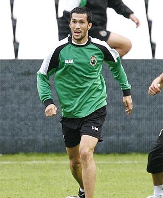 Luis Garc�a entrenando con el Racing.