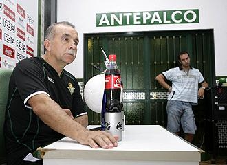 Antonio Tapia, durante una rueda de prensa de la presente temporada