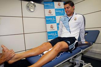 Cristiano Ronaldo realiza ejercicios de fuerza.