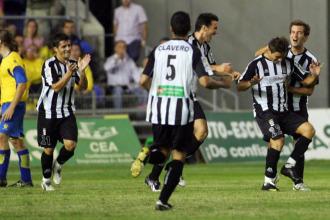 Los jugadores del Cartagena celebrando un gol.