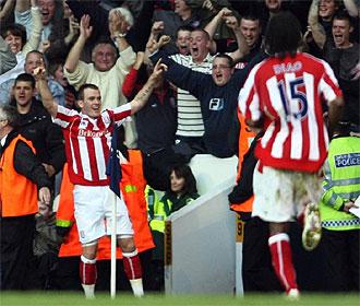 Whelan celebra su golazo ante el Tottenham.