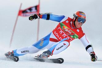 Didier Cuche celebra su victoria en Soelden.