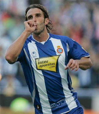 Iv�n Alonso celebra un gol durante el partido contra el Tenerife