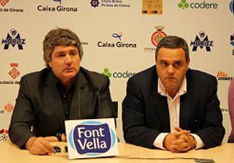 Narc�s Juli�, nuevo entrenador del Girona, fue presentado en sociedad por el presidente Josep Gus�