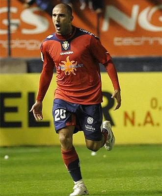 Aranda celebra un gol con Osasuna