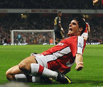 Fran Mérida celebrando su gol al Liverpool