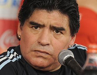 Diego Armando Maradona en rueda de prensa