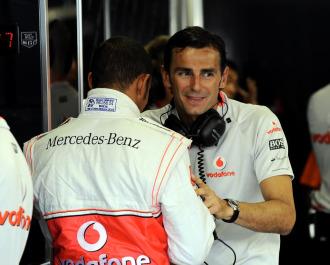 De la Rosa, junto a Hamilton en el 'box' de McLaren.