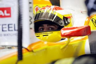 Fernando Alonso, a los mandos de su monoplaza Renault