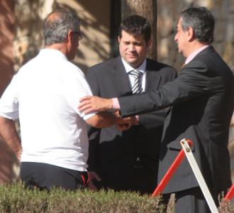 Manzano, Asensio y Chávez, instantes antes de la reunión mantenida con toda la plantilla.