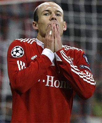 Robben se lamenta tras la derrota ante el Girondis