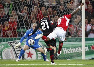 Mbokani hizo el primer tanto del partido.
