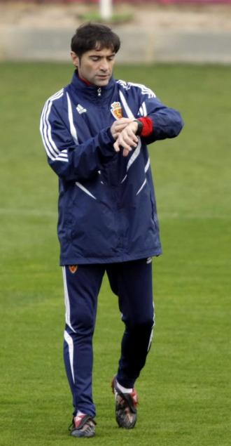 Marcelino, en un entrenamiento del Zaragoza.