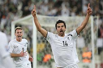 Rory Fallon celebra el gol que a la postre dio a Nueva Zelanda la clasificaci�n para el Mundial de Sud�frica.
