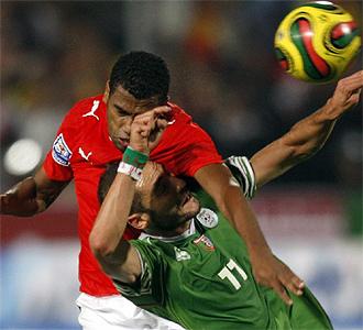 Un lance del choque entre Egipto y Argelia en El Cairo.