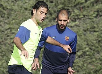 M�rquez, en un entrenamiento ante la mirada de Guardiola.