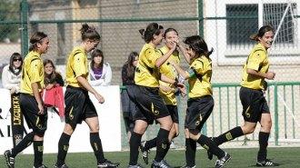 El equipo del Lagunak celebra un gol en una imagen de archivo.