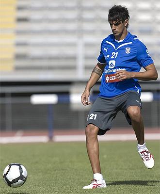 Román Martínez durante un entrenamiento del Tenerife