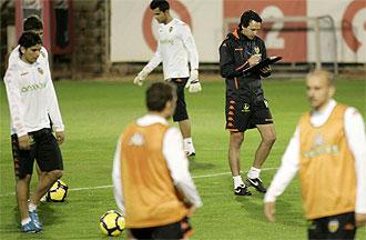 Emery, en un entrenamiento del Valencia