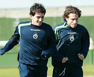 Mor�n, durante un entrenamiento del Racing de Santander en el a�o 2005 junto a Javi Guerrero, uno de sus mejores amigos en el mundo del bal�n