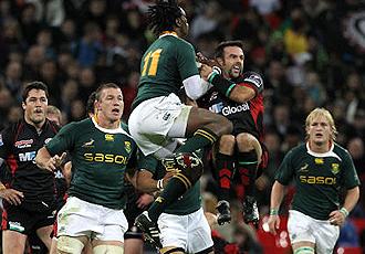 Sudáfrica dejó escapar en la recta final ante Saracens la que hubiera sido su primera victoria en la gira europea
