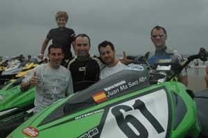 En la foto, los pilotos del equipo español Solamed-Mundobike