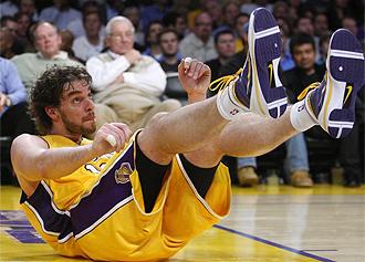 Gasol, durante un partido con los Lakers