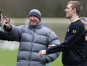 Ferguson se lo pasa bien en una sesión de entrenamiento