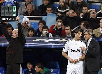 Pellegrini habla con Ronaldo antes de entrar al campo el portugu�s