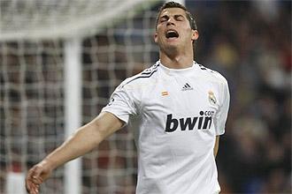 Cristiano Ronaldo se lamenta tras desperdiciar una ocasión frente al Zúrich.