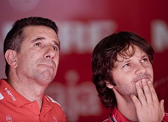 Jorge Martínez Aspar y Gino Borsoi, preocupados tras la renuncia de Aprilia.
