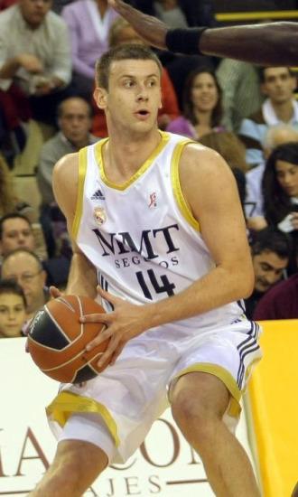 Velickovic, en un partido de liga con el conjunto blanco.