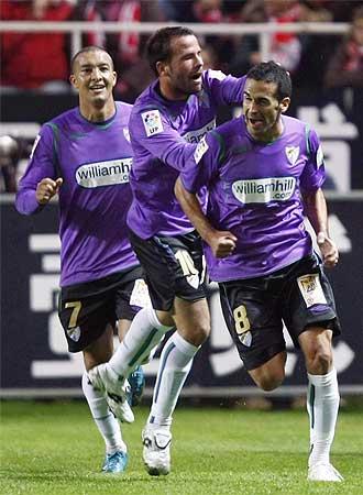 Fernando celebra su tanto en el Pizjuán, que era el número cincuenta que logra en Primera.
