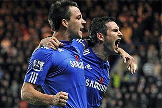 Lampard celebra junto a Terry un gol con el Chelsea