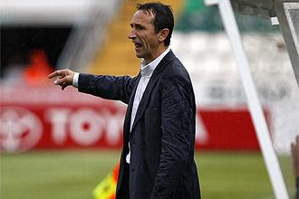 Juan Carlos Oliva, t�cnico del Salamanca, durante un partido