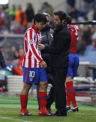 Momento en el que Ag�ero se retira lesionado.
