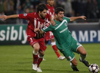 Un lance del partido entre Macabbi y Girondins