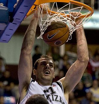 Aleksandar Maric jugando con el Partizan