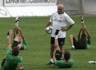 Bartolom� M�rquez, durante un entrenamiento del Castell�n