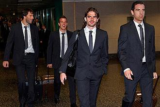 Van Nistelrooy, Van der Vaart, Gago y Metzelder, en el aeropuerto de Milán