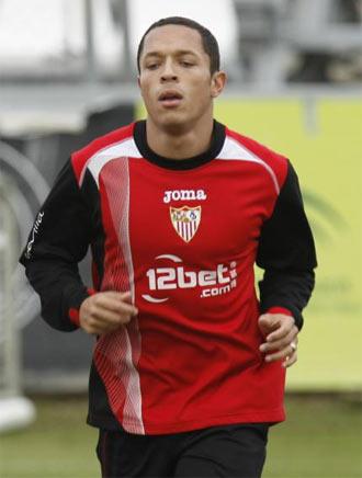 Adriano durante un entrenamiento