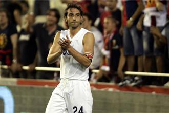 Moretti durante un partido del Genoa y el Valencia.