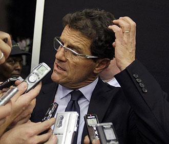 Fabio Capello atendiendo a la prensa