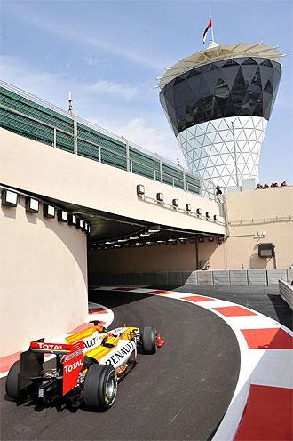 El Renault de Fernando Alonso, en el �ltimo Gran Premio del a�o en Abu Dhabi.