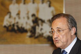 El presidente del Real Madrid, Florentino Pérez, durante la comida de Navidad con los equipos de fútbol y basket.